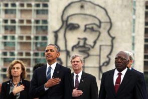 epa05224459 US President Barack Obama (2-L) and US officials lay a wreath for Cuban hero Jose Marti at Revolution Square in Havana, Cuba, 21 March 2016. US President Barack Obama is on an official visit to Cuba from 20 to 22 March 2016; the first US president to visit since Calvin Coolidge 88 years ago.  EPA/ALEJANDRO ERNESTO